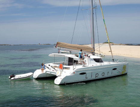 Location catamaran Fountaine Pajot Lipari 41